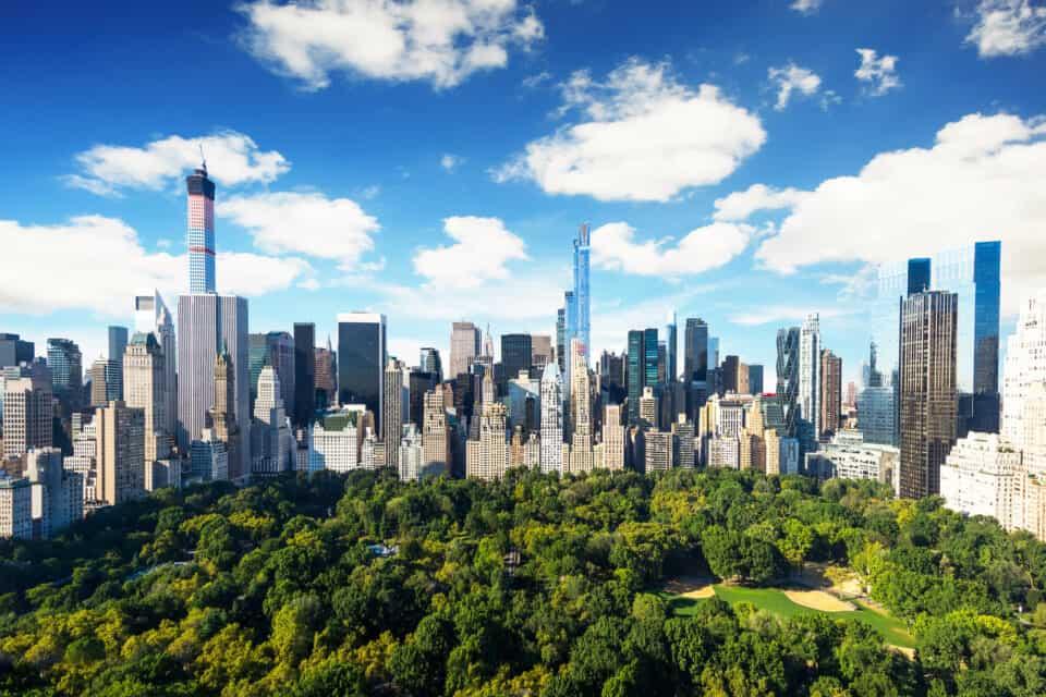central park i new york city omkranset af højhuse