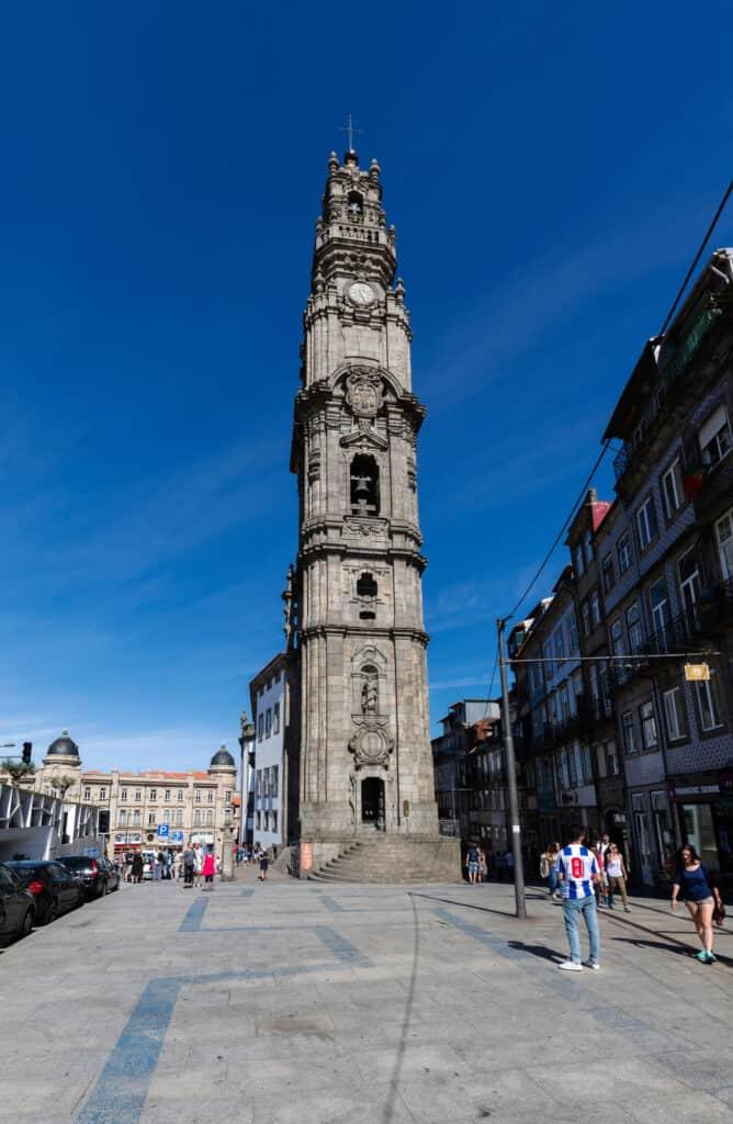 clerigos tårnet i porto i portugal