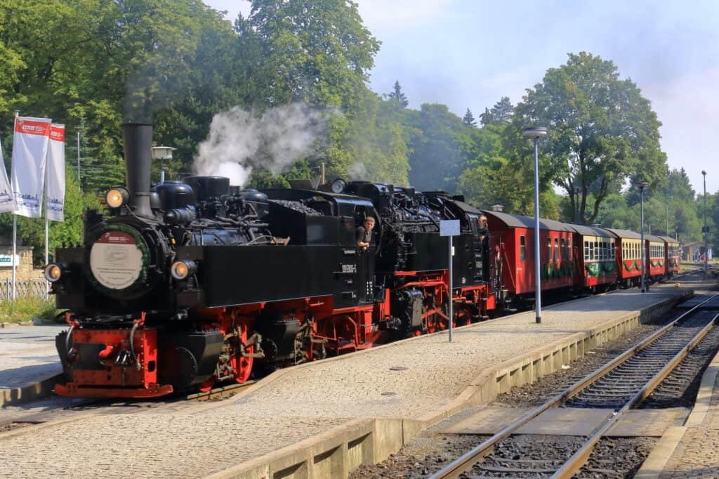 nationalpark harz damplokomotivet trækker harzer schmalspurbahnen